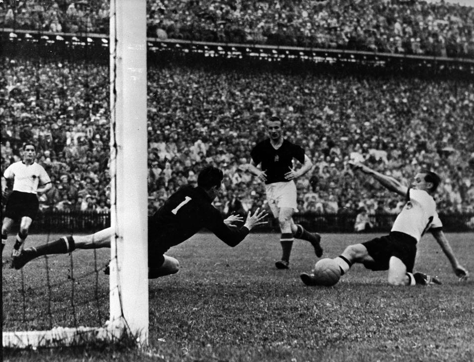 Tor von Max Morlock im WM-Finale von Bern 1954
