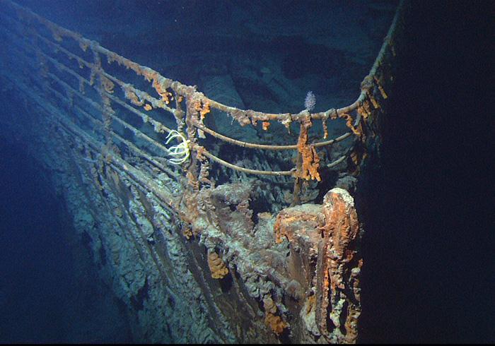 Der Bug der zerstörten Titanic, Juni 2004, gemeinfrei